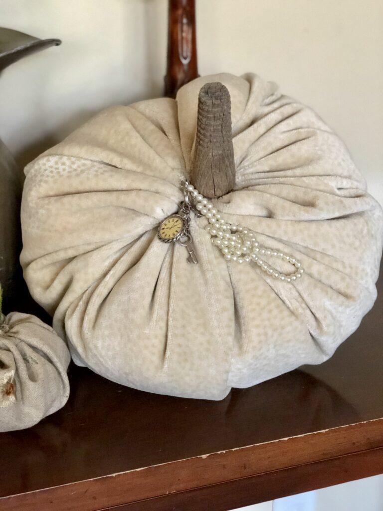 velvet pumpkin DIY
