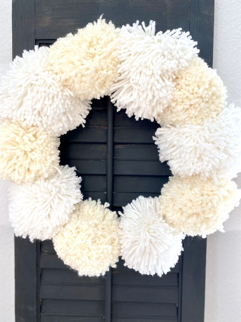 Easy DIY Pom Pom Wreath Tutorial