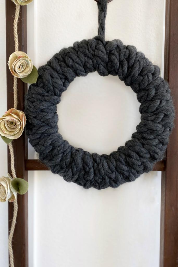 How To Make An Easy Braided Chunky Yarn Wreath