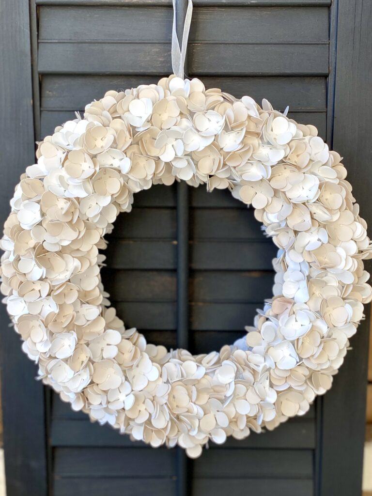 How to make a paper flower wreath with cricut