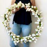 How To Make A Tulip Hula Hoop Wreath DIY