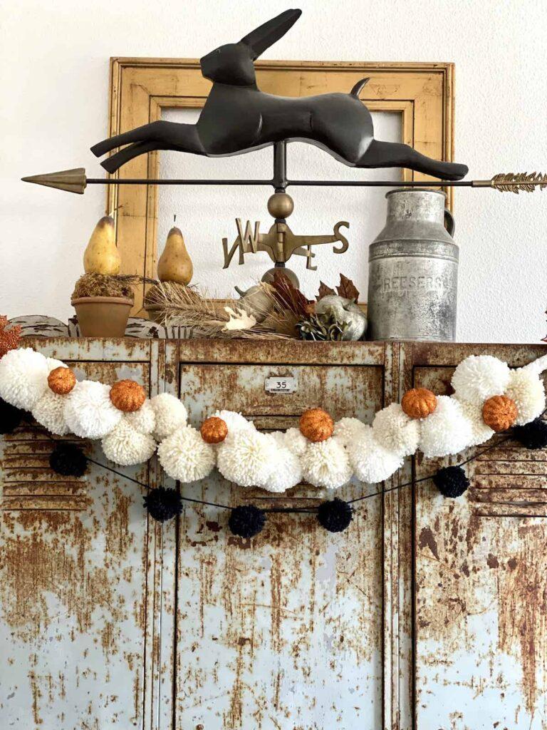 DIY Halloween Pom Pom Garlands